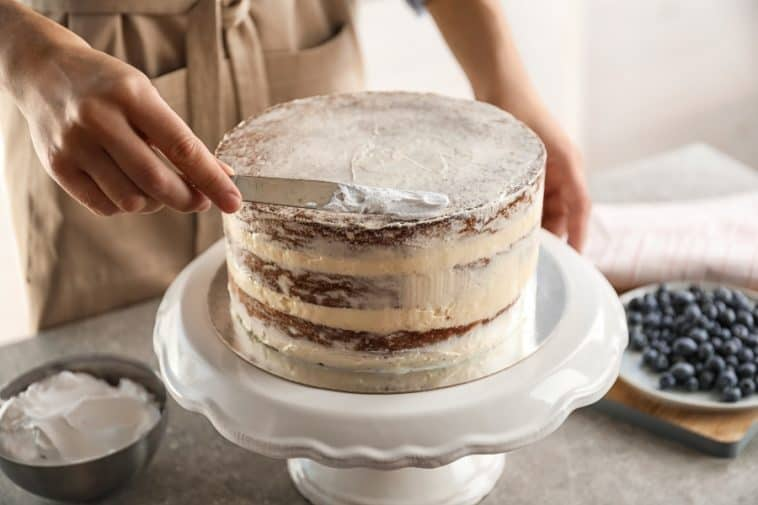 cake with buttercream frosting