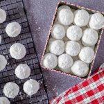 cashew nougat snowball cookies