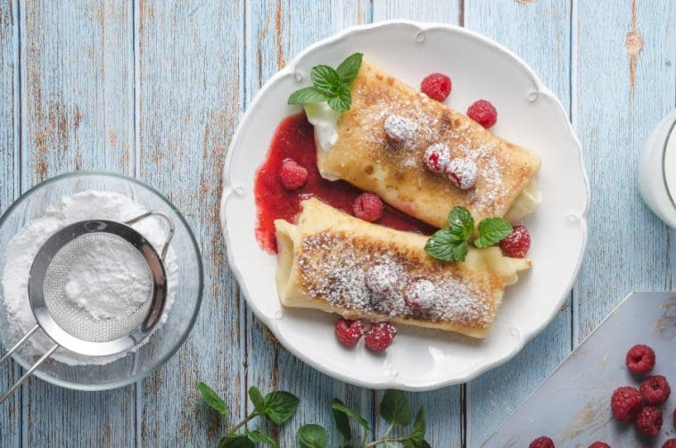 raspberry cheese blintzes