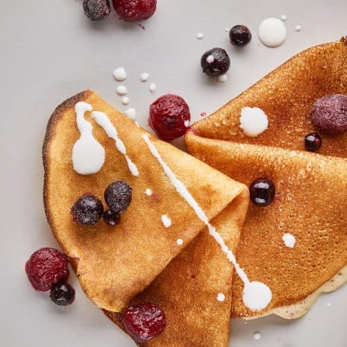 classic crepe with fruit