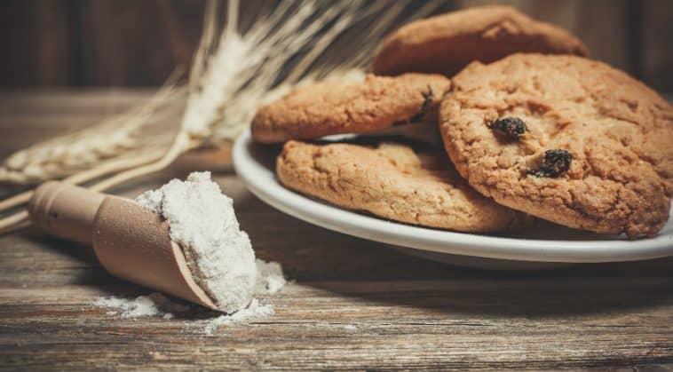 classic raisin puff cookies