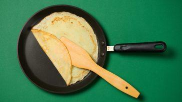folded crepe in crepe pan