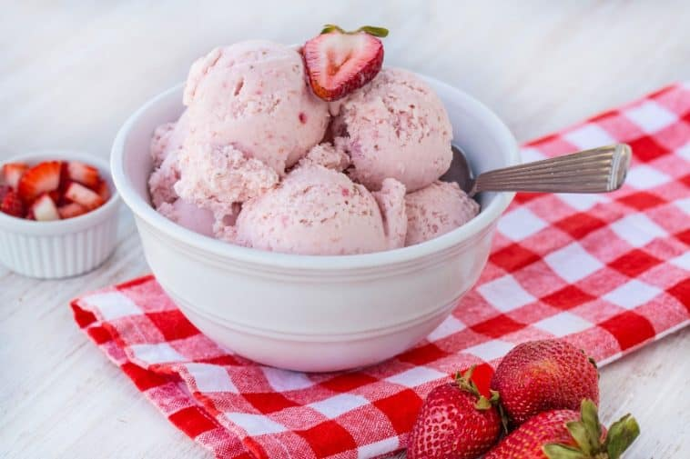 homemade vegan strawberry ice cream