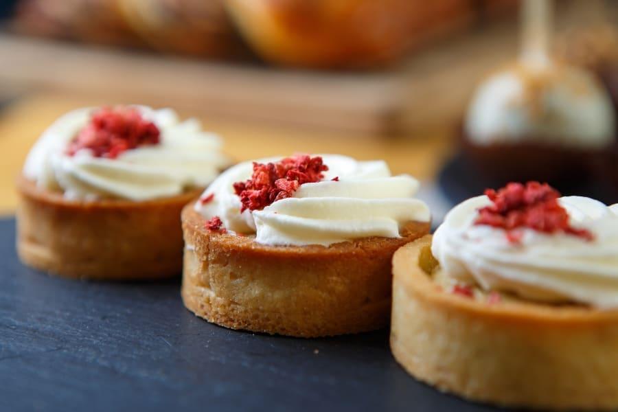 mini cakes with Italian buttercream