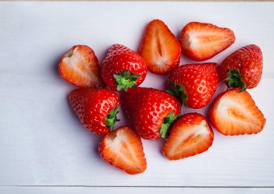 sliced fresh strawberries