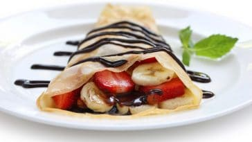 strawberry banana crepe with Nutella