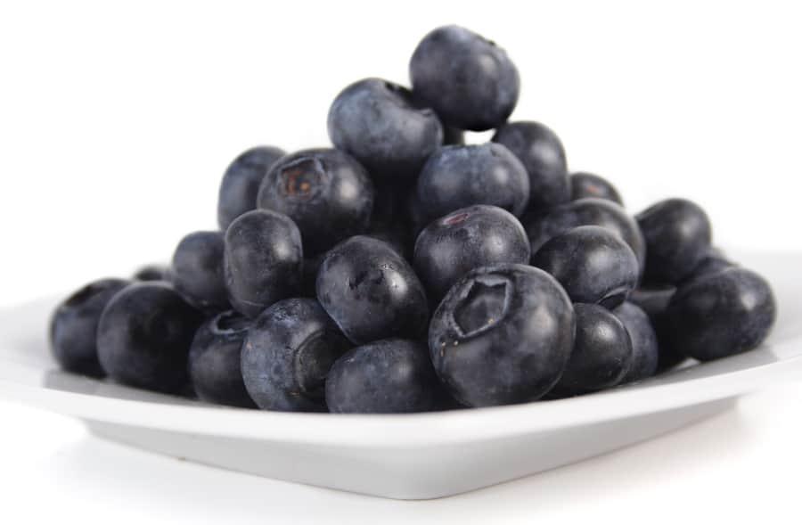plate of fresh blueberries