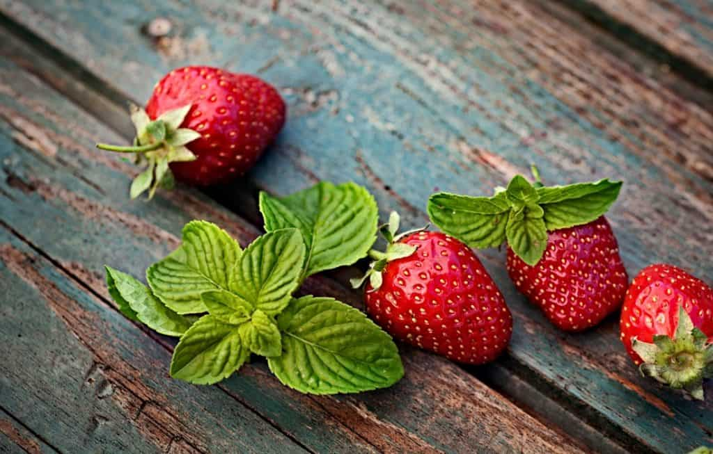 fresh strawberries and leaves