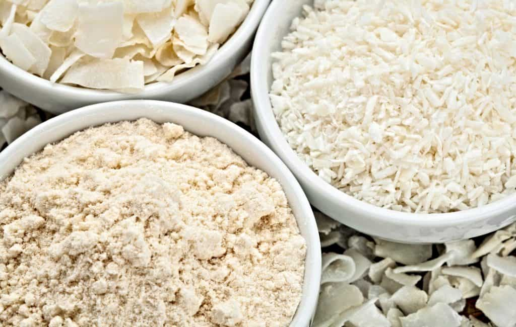 bowl of coconut flour and coconut flakes