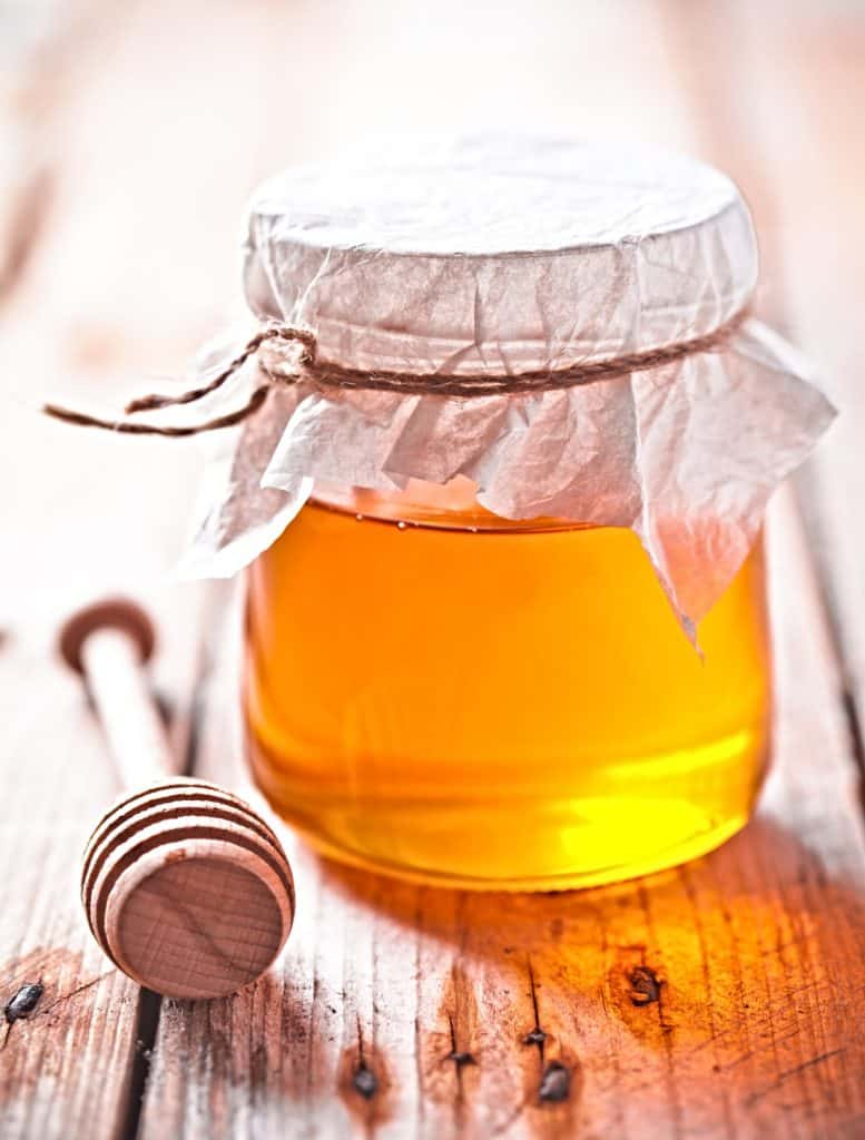 jar of organic raw honey