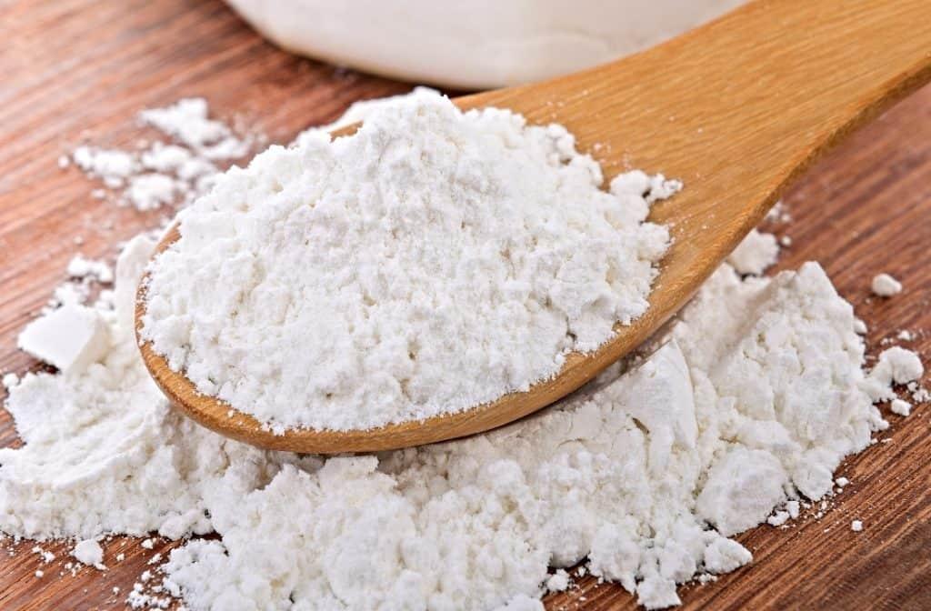 scoop of cornstarch