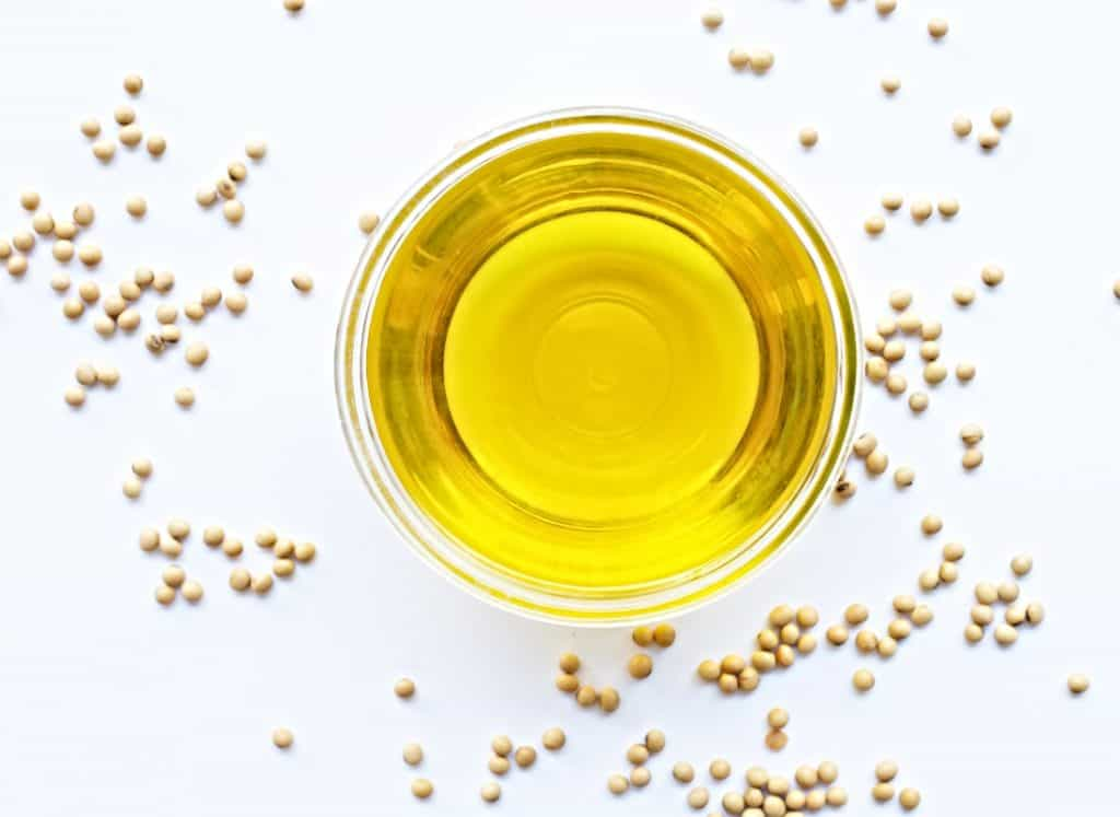 vegetable oil in clear bowl